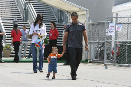 Juan Pablo Montoya Mclaren Mercedes With Connie And His Son Sebastian Montreal 2006-06-22