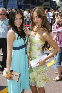 TopRq.com search results: Girls In The Paddock - Monaco 2006-05-26