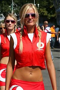 TopRq.com search results: Grid Girl Monza 2006-09-10