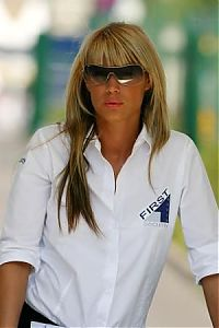 TopRq.com search results: Hot Security Girl At The Gate Magny Cours 2006-07-16