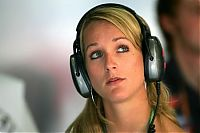 TopRq.com search results: Liselore Kooijman Girlfriend Of Christijan Albers Magny Cours 2006-07-15