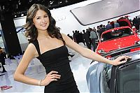 Motorsport models: Girls from North American International Auto Show 2012