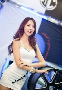 Motorsport models: Girls from 2013 Seoul Motor Show