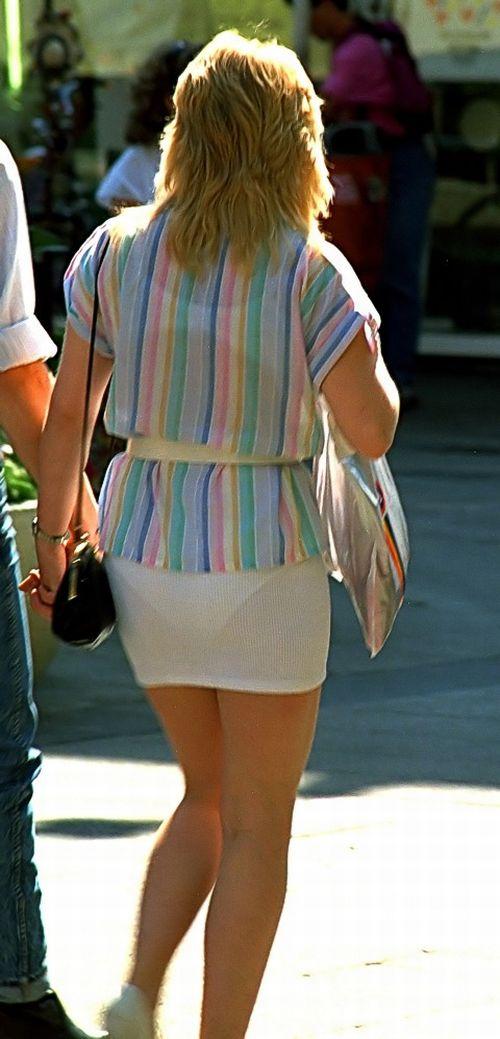 Фото трусики сквозь платье