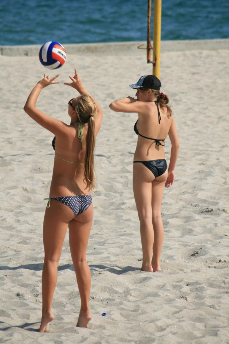 Украинские девушки на пляжах фото