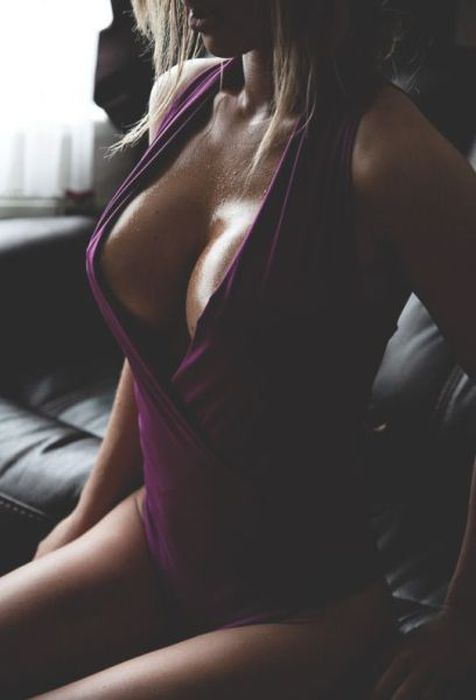 breasts cleavage girl