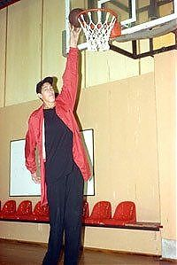 TopRq.com search results: Sultan Kosen, Tallest man in the world, 2 meters 47 centimeters, Turkey