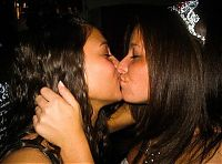 TopRq.com search results: young kissing girls