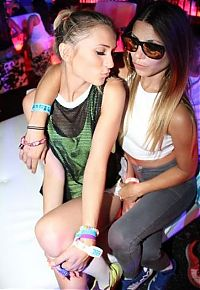 TopRq.com search results: Girls from Electric Daisy Carnival 2013, Las Vegas, United States