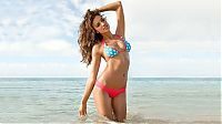 People & Humanity: Sports Illustrated Swimsuit Issue Girl 2014