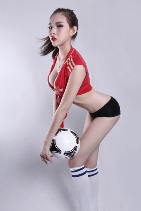 chinese models celebrating uefa euro 2012