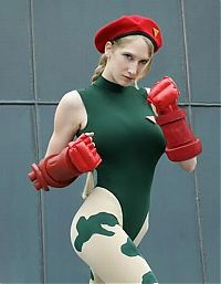 Sport and Fitness: street fighter game girls
