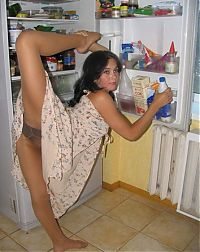 TopRq.com search results: young brunette girl doing flexible gymnastics at home