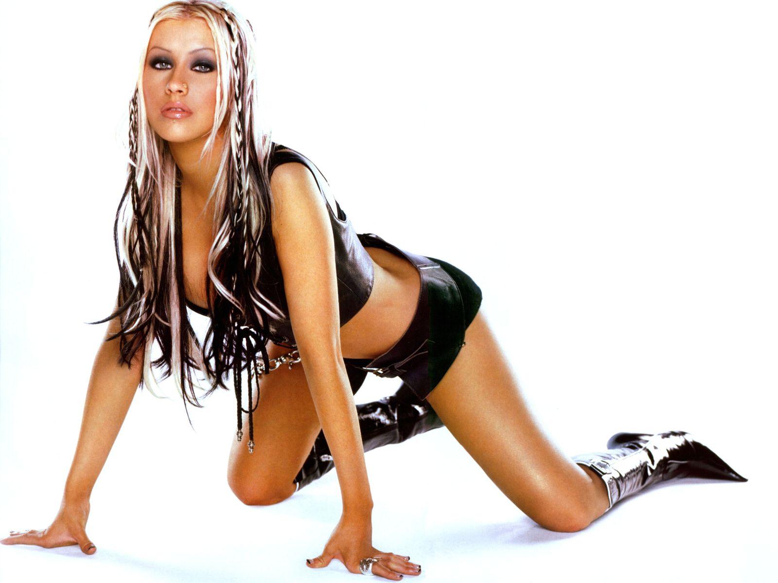 Christina Aguilera Nude Photos Sex Scene Pics