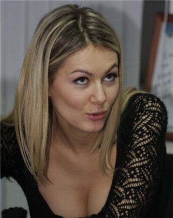 Голая Мария Кожевникова трахается в групповом порно