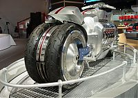 Transport: Dodge Tomahawk concept vehicle