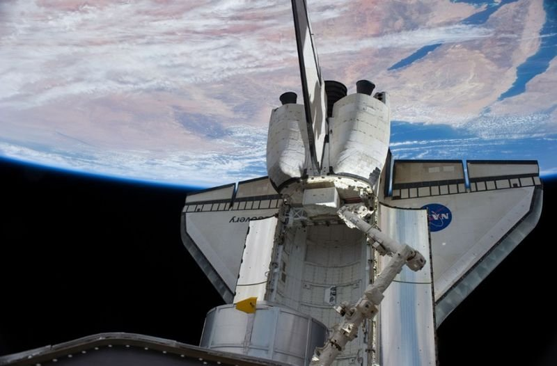 Space Shuttle Discovery home after 15-day mission