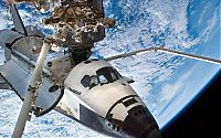 Earth & Universe: Space shuttle Endeavour photo