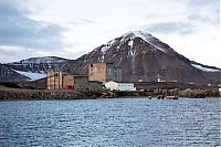 TopRq.com search results: Ny-Ålesund, Oscar II Land, Spitsbergen, Svalbard, Norway